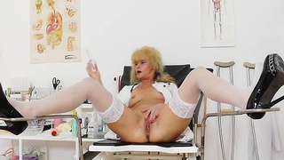 Gyno-instrument in housewife caretaker pussy
