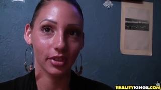 Amateur latina gets filmed in the bar