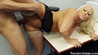 Cum slut Alura Jenson gets bonked rough