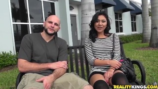 Latina babe Issa Rose is seduced by Jmac