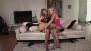 Carlie Banks and Valentina Vaughn
