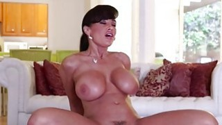 This vuluptuous MILF needs a good hard dick in
