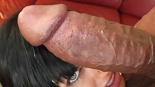 OMG! She gets fucked by a baseball bat!