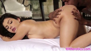 Valentina gives interracial bj and gets creampied