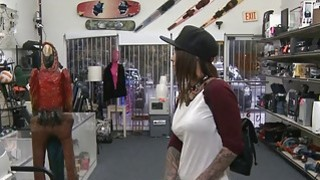 Amateur tattooed brunette woman nailed by pawn keeper