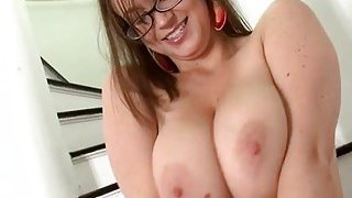Oiled gal teamfucked in gap