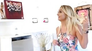 Sexy blonde Natalia Starr seduces a real estate agent to get a lower price