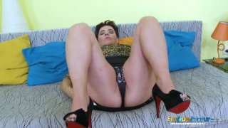 EuropeMaturE Curvy Busty Lady Solo Masturbation