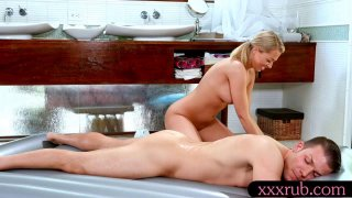 Sexy blond masseuse nailed by her client