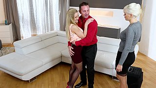 Steamy threesome with Italian and Hungarian blondes
